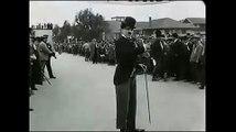 """Charlie Chaplin dans """"Charlot est content de lui"""""""