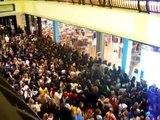 Émeutes et bagarre générale : Black Friday 2014, pure folie aux US!