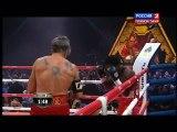 Mickey Rourke remonte sur le ring et gagne son match de boxe : TKO ridicule