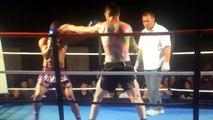 KO de dingue en boxe thaïlandaise : impressionnant coup de pied circulaire dans la tête