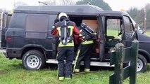 Beelden: Brand in busje in De Groeve - RTV Noord