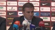 Galatasaray Hamza Hamzaoğlu ile Resmi Sözleşme İmzaladı