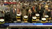 Ziua Națională a României și a tuturor Românilor. Traian Băsescu primește onorul.
