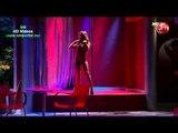 Sabrina Sosa hace un toples en Teatro en CHV