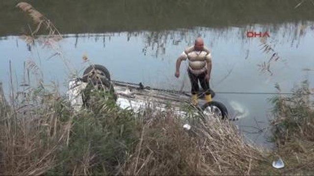 Otomobiliyle Sulama Kanalına Uçan Feride Öğretmen Ağır Yaralandı