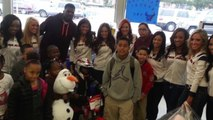Houston Texans' Andre Johnson Doubles as Santa Claus; Gives Kids a Shopping Spree