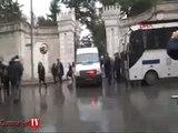 İstanbul Üniversitesi'nde taşlı sopalı kavga çıktı: 7 yaralı