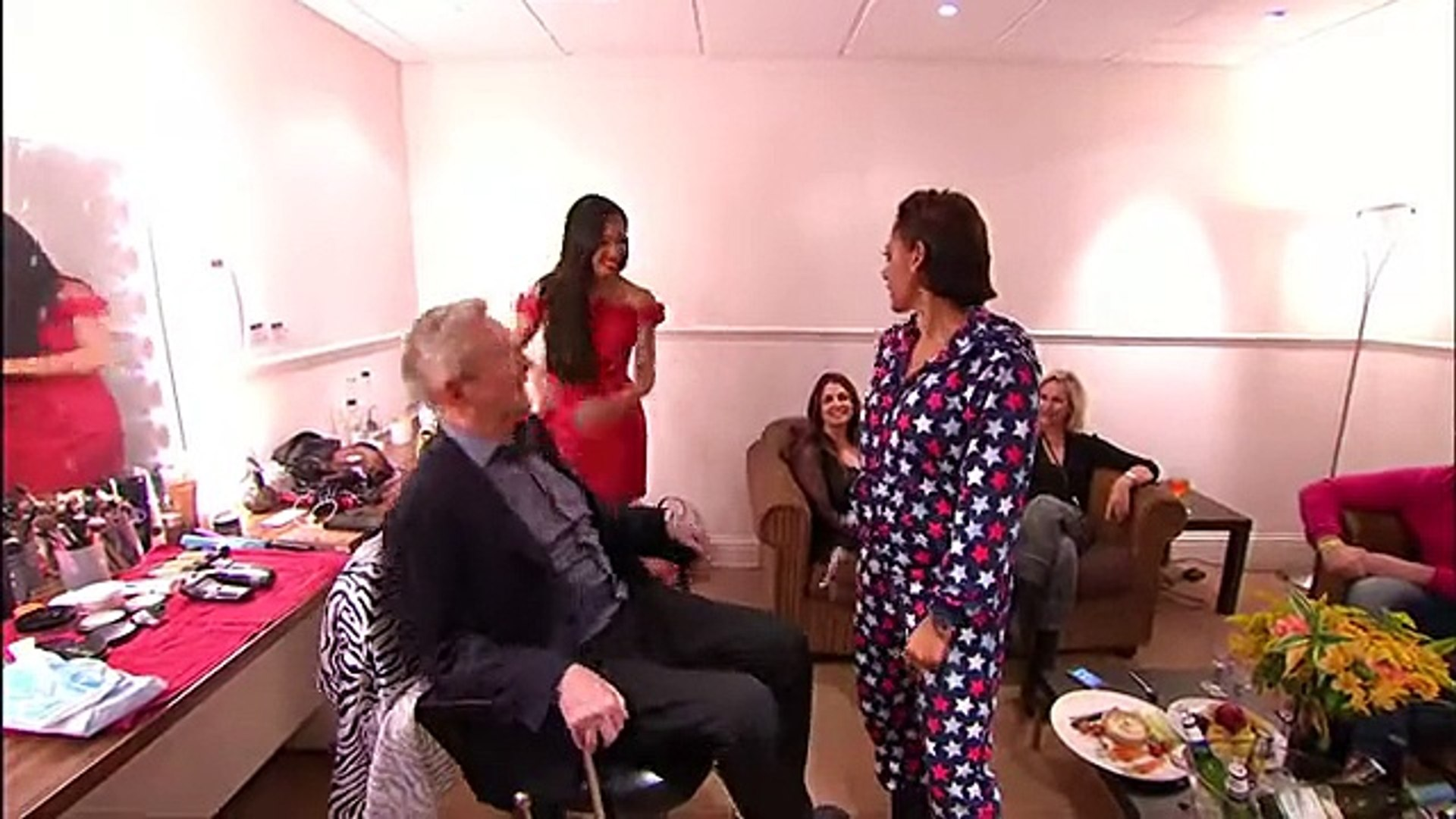 Louis Walsh's Dressing Room - The Xtra Factor UK 2014 - Official Channel