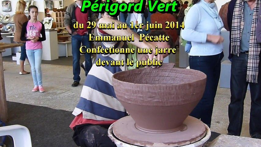 Foire des potiers à Bussière-Badil 2014, fabrication de la jarre par Emmanuel Pecatte
