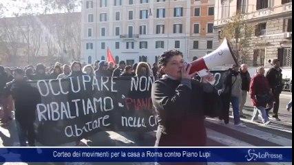 Corteo dei movimenti per la casa a Roma contro Piano Lupi