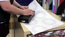 So amazing and Cool gift wrapping hack! Best Tuto ever!