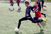 Clip FFF : jeunes footballeurs en action sur les terrains