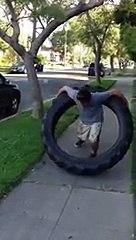 Hula Hoop avec un pneu de tracteur de 45 kg | 1001Pneus