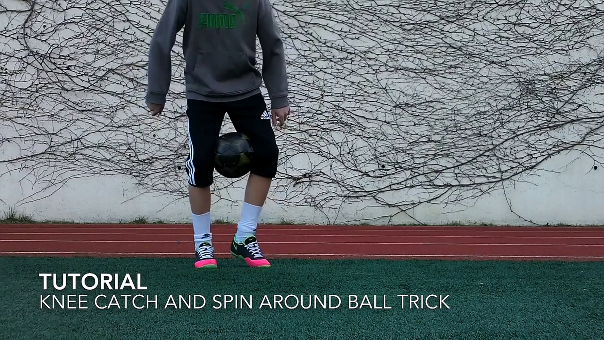 Knee Catch ATW Tutorial | Freestyle Soccer / Football | Knee Catch Around the World Juggling Skill