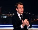 """Emmanuel Macron, """"agitateur de mots"""" chez Claire Chazal"""