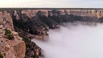 Superbe nuage dans le Grand Canyon
