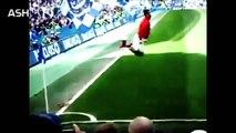 Cristiano Ronaldo vs Ronaldinho ● Freestyle ● Crazy Tricks - Ronaldo Skills and tricks