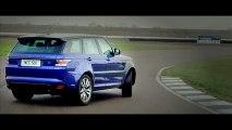 Le Range Rover Sport SVR glisse sur le circuit de Rockingham