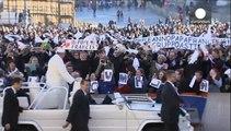 Βατικανό: «Χρόνια πολλά» με... τάνγκο στον Πάπα Φραγκίσκο