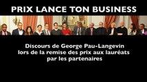 George Pau-Langevin, ministre des Outre-mer remet le prix des couveuses ultramarines