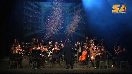 211214 Felicitació a ritme de música i llums al Teatre Núria Espert