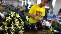 Yiwu : L'atelier du père Noël en Chine est plutôt effrayant