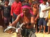 Magie Noire au Cambodge  il tue un poulet et le ressuscite Black Magic in Cambodia he kills a chicken and risen!