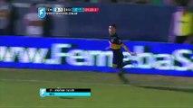 Football - Le petit lob de Jonathan Calleri