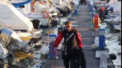 Viareggio, trovato in acqua al porto il corpo senza vita di una giovane