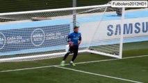 Casillas x Navas - Quem manda melhor no treinamento de goleiros?