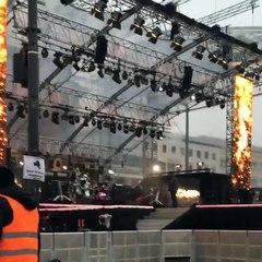 Tokio Hotel Soundcheck #3 at Brandemburger Tor (31.12.2014)