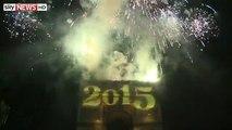 Happy New Year 2015 - French - Paris' Arc de Triomphe - Fireworks