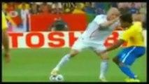 √ Zinedine Zidane VS Ronaldinho Gaucho √ Dribles & Lances Incriveis √ 2014