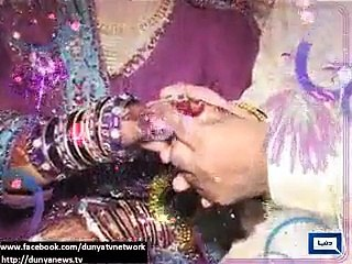 Short-heighted couple tie the knot in Faisalabad.