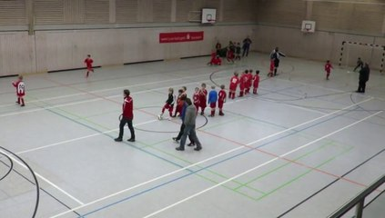 2015 -- Die U9 der Eintracht Kattenhochstatt beim Hallenturnier gegen Ellingen