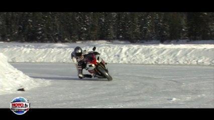 258 km/h on ice : Yamaha R1 vs Porsche GT3 RS