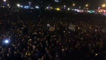 Rassemblement pour Charlie Hebdo à Paris, place de la République