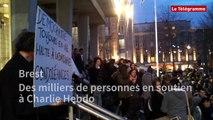 Brest. Des milliers de personnes en soutien à Charlie Hebdo