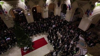 Charlie Hebdo : ils chantent la Marseillaise après la minute de silence à la mairie de Tourcoing