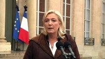 """Marine Le Pen demande à François Hollande de """"suspendre l'espace Schengen"""""""
