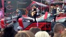 "5 Seconds of Summer Concert - ""Beside You"" Live - Fan Video - Concert Zap"