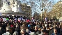 Marche contre le terrorisme : la place de la République noire de monde