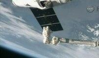 La capsule Dragon rejoint la Station spatiale internationale