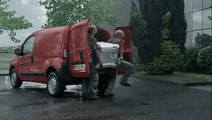 """Citroën - véhicules utilitaires - juin 2010 - """"Le ballet"""", """"Véhicules utilitaires Citroën, le travail devient plus facile."""""""