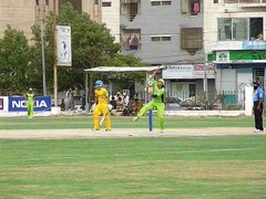 08 OF 13 JEHANDAD KHAN HITS A POWERFUL SIX v ZULFI BABAR 26-07-2014  CRICKET COMMENTARY BY PCB COACH PROF. NADEEM HAIDER BUKHARI  2nd SEMI FINAL  OMAR CRICKET CLUB KARACHI  vs  TAPAL CRICKET CLUB KARACHI   *** 3rd VITAL 5 CLUB CRICKET RAMZAN CRICKET F (3)