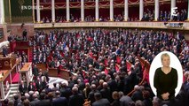 """L'Assemblée nationale chante """"la Marseillaise"""" en hommage aux victimes des attentats"""