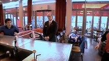 """Décathlon - vêtements et matériel de sport - décembre 2010 - """"Décathlon, filet de ping pong Rollnet"""""""