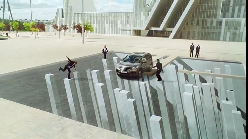 McGarryBowen Londres pour Honda – voiture Honda CR V, «Honda illusions» – octobre 2013