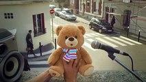 Les Gaulois pour Jemini - ours en peluche Grumly, «Joue du Grumly, www.grumly.fr» - octobre 2014 - coucougrum