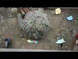 """Procter & Gamble - Swiffer - août 2009 - """"Dust ball"""", """"Dites adieu à la poussière"""""""